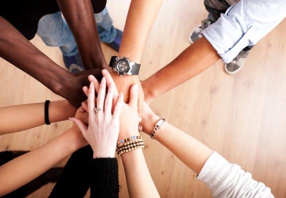 Larson Commons_Team-Hands_Lifestyle