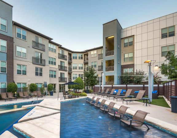 Avant on Market Center - Geometric pool with sunning lounge