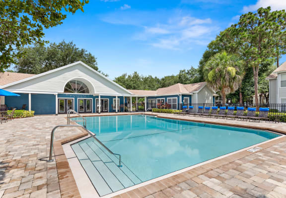 Pool and sundeck at Retreat At Crosstown Apartments in Riverview, Florida