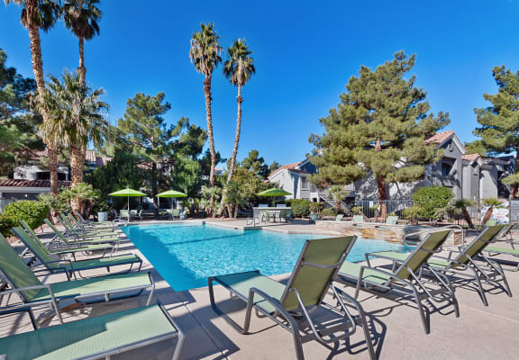 Pool and sundeck at Verraso Apartments in Las Vegas, NV