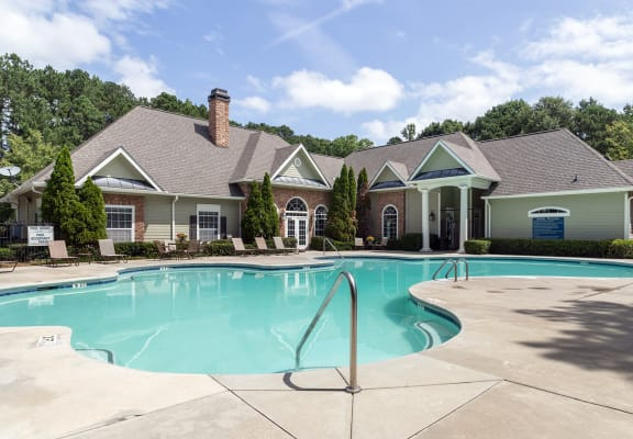 Pool and sundeck at Shadow Ridge Apartments in Riverdale GA