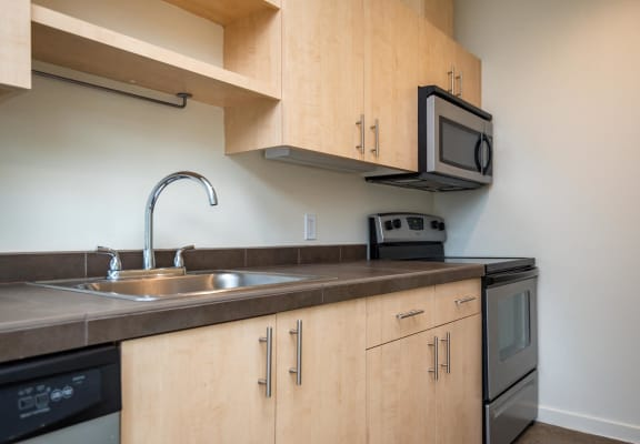 Move the House | Kitchen
