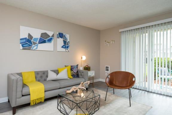 Hidden Oaks | Living Room