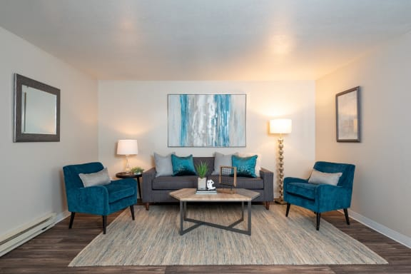 Kings Meadow Apartments | Troutdale, OR | Living Room