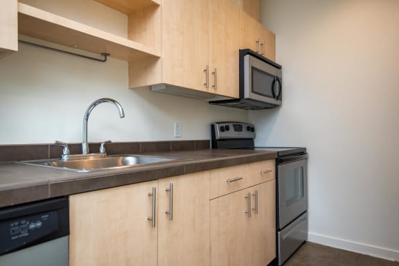 Move the House | One Bedroom Kitchen
