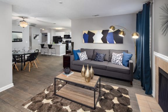 Bridgeport|Model Living Dining Kitchen