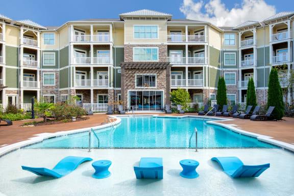 Parc at Grandview resort-style saltwater pool with aqua deck
