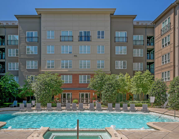 Cityplace Heights - Exterior pool and building