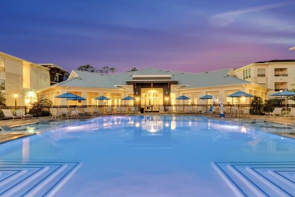 Everlee - Resort-style saltwater swimming pool