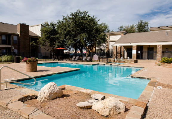 park-at-caldera-pool