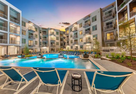 Courtyard pool at Windsor Preston, Plano, TX