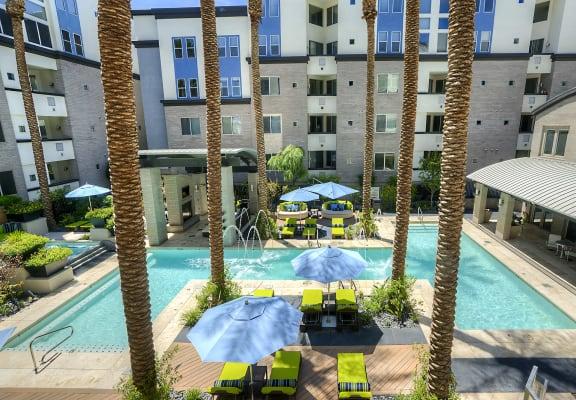 birds eye view of resort-style pool