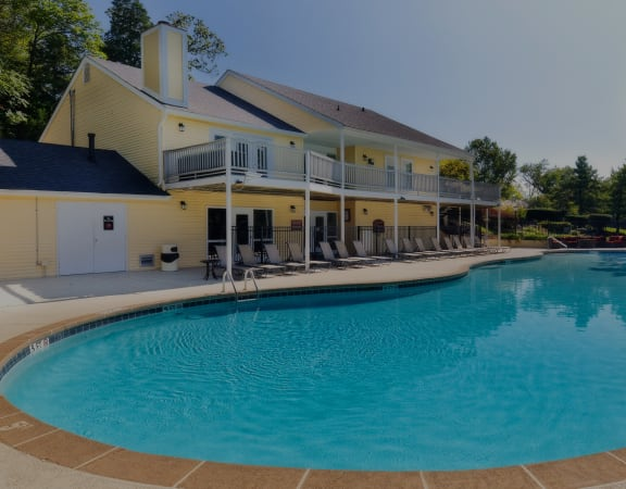 Brentwood Oaks Apartments - Resort-style pool and sundeck