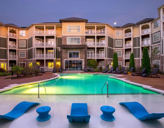 Parc at Grandview - Sundeck and pool