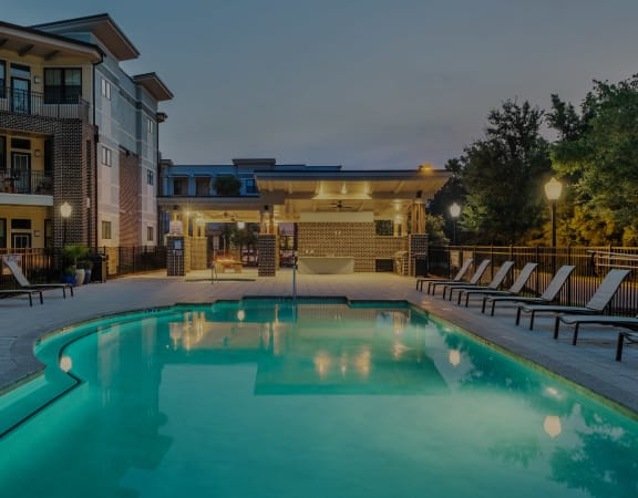Centre Pointe Apartments resort-style pool and surrounding sundeck