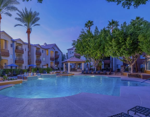 Sonterra Apartments at Paradise Valley - Resort-style pool