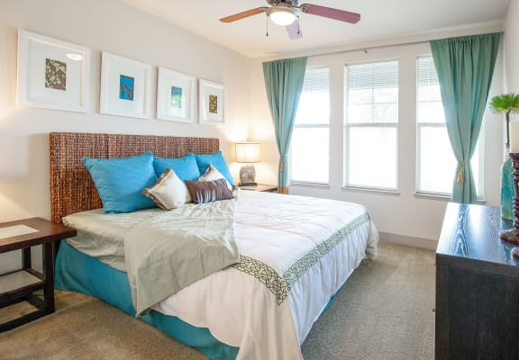 Bedroom With Plenty Of Natural Lights at Avena Apartments, Thornton, CO, 80233