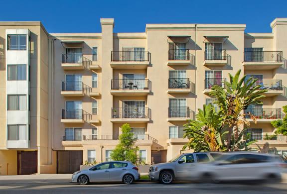 Santa-Monica-Affordable-Apartments-1430-7th-Exterior