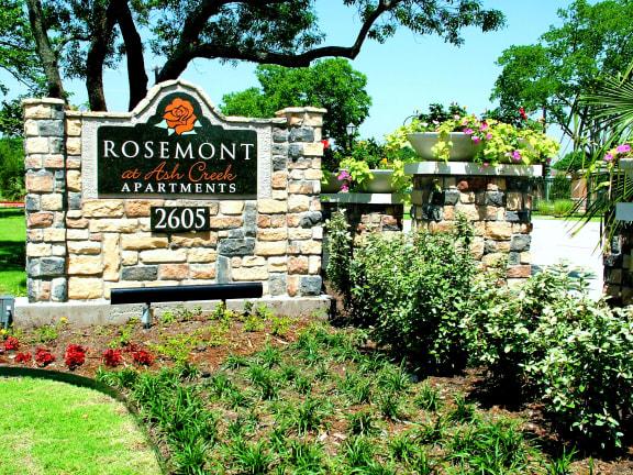 Rosemont at Ash Creek Apartments Exterior Monument Sign