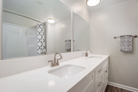 Unit Image - Bathroom with vanity sink at Parc at 5 Apartments, Downey, CA, 90240