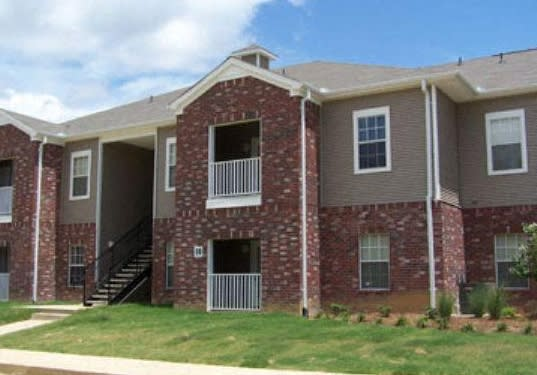 Elegant Exterior View Of Property at Cameron Park Apartments, Jackson, MS