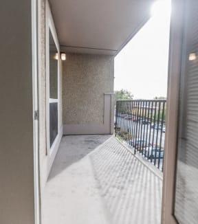 Renton Apartments - The Aviator Apartments - Deck