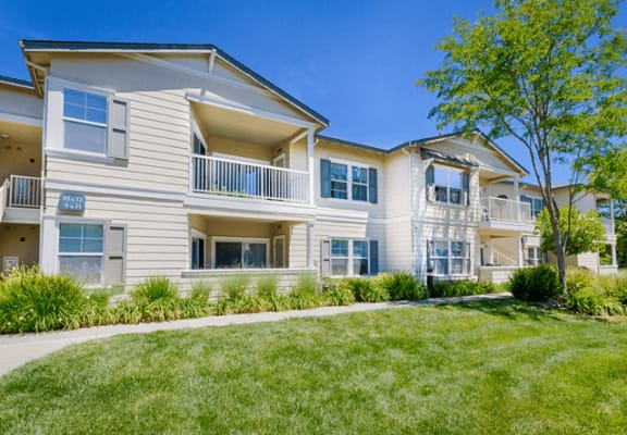 Beautifully Landscaped Grounds at Harvest Park Apartments
