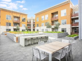 Outside Seating Apartments in San Mateo| Mode Apartments