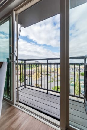 Kent Apartments - The Platform Apartments - Deck
