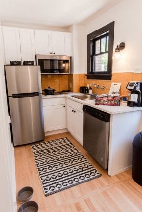 Seattle Apartments - Muse Apartments - Kitchen