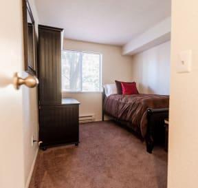 Tacoma Apartments - The Lodge at Madrona Apartments - Bedroom 1