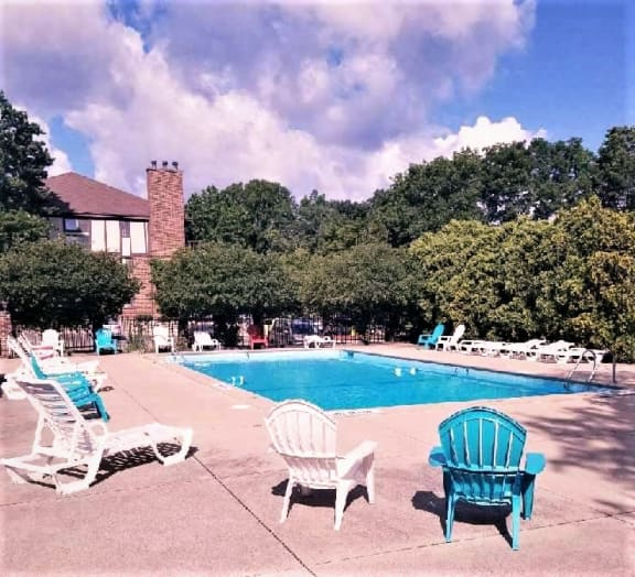 Pool Side Relaxing Area at Candlewyck Apartments, Michigan, 49001