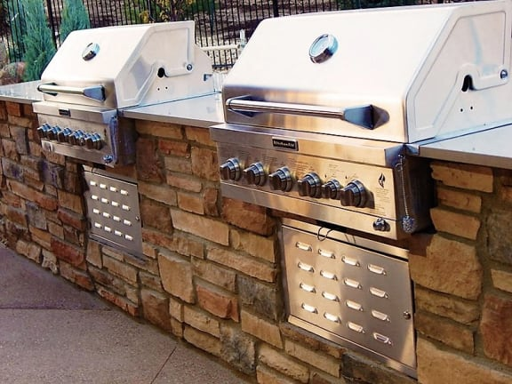 Outdoor BBQ Grill at Durango CO Apts for Rent