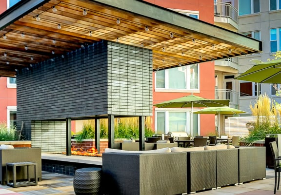 courtyard firepit and lounge area at ALARA Union Station Apartment Homes, Denver, CO 80202