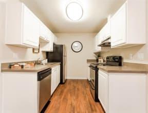 Everett Apartments - Tessera Apartments - Kitchen