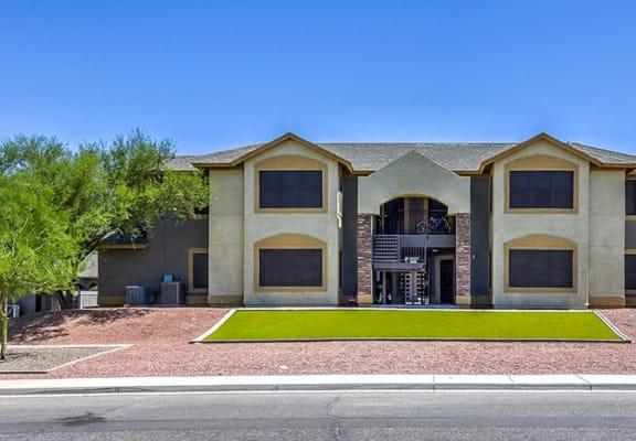 Exterior and landscaping at Bella Vista Apartments in Bullhead City AZ