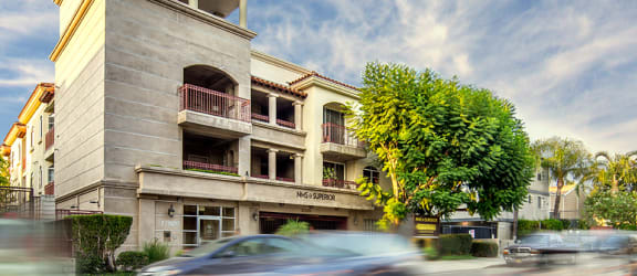 Northridge Luxury Apartments Superior Exterior Daytime
