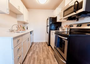 Tacoma Apartments - Northpoint Apartments - Kitchen