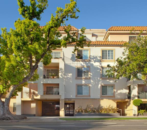 Santa-Monica-Affordable-Apartments-1428-6th-Street-Exterior