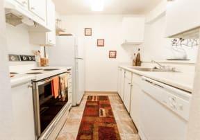 Tacoma Apartments - The Lodge at Madrona Apartments - Kitchen