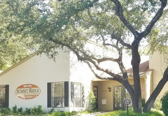 On-Site Management at Summit Ridge Apartments, Temple, Texas