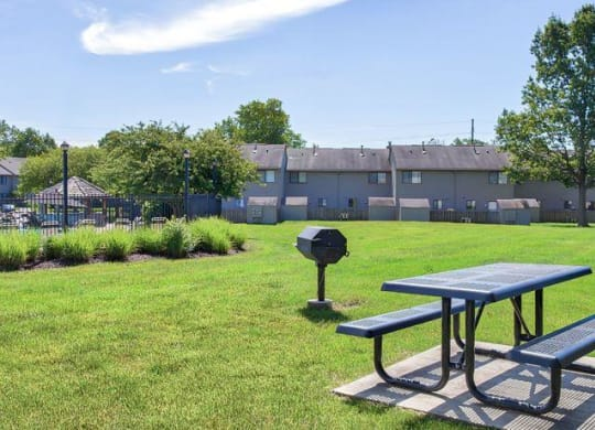 Picnic area at apartments in Ft Wayne IN