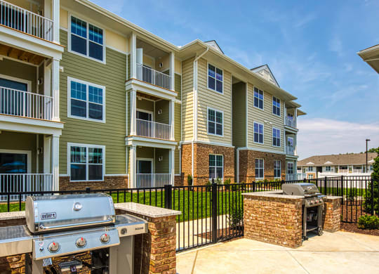 Grills at Sapphire at Centerpoint Apartments