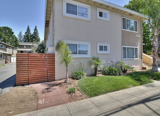 Elegant Exterior View at Latham Square Leasing Center, Mountain View, CA, 94041