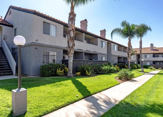 Green Space Walking Trails at Sedona Apartment Homes, California, 92553
