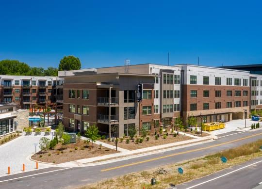 Building view at Link Apartments® Linden, Chapel Hill, North Carolina