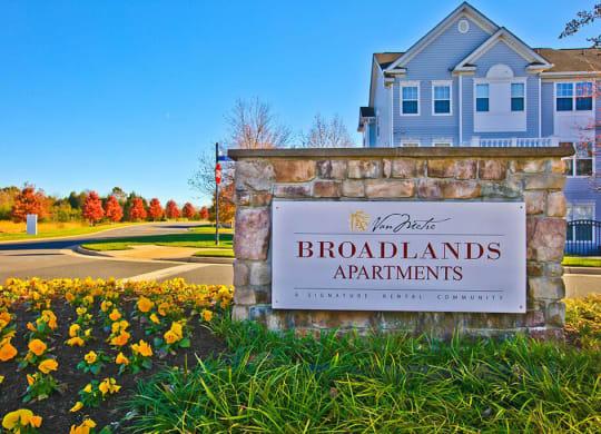 Broadlands Entrance at Broadlands, Ashburn, 20148