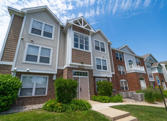 Well Maintained Buildings at Canal 2 Apartments in Lansing, MI