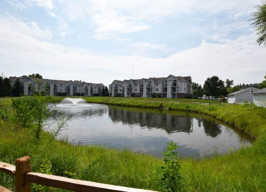 Gorgeous Pond Views at Canal 2 Apartments in Lansing, MI