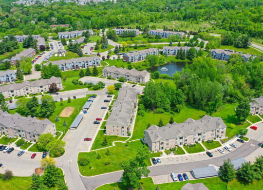 Expertly Landscaped Grounds at Green Ridge Apartments, Grand Rapids, MI 49544